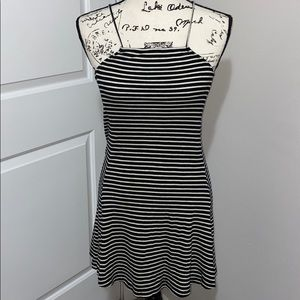 ☀️Brandy Melville Black & white dress. One size.
